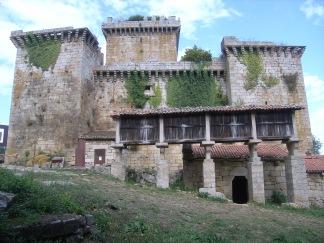 Conjunto_del_castillo_de_Pambre