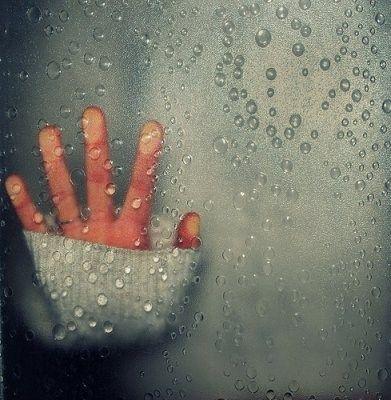 ventana y lluvia